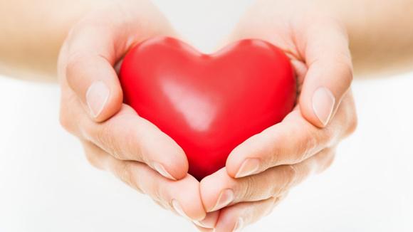 ae18fafa9caca29ae62f7e5989942193_heart-disease-symptoms-women-580x326_featuredImage
